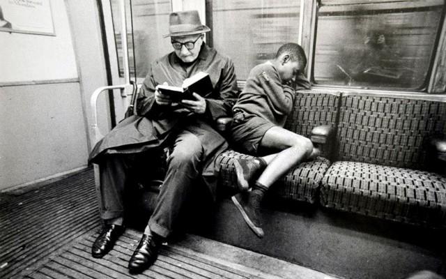tube-sleep_2628146k