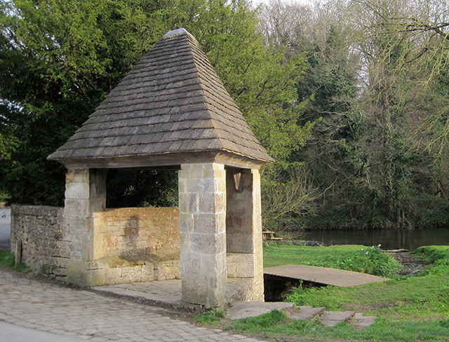 mells triangular shelter